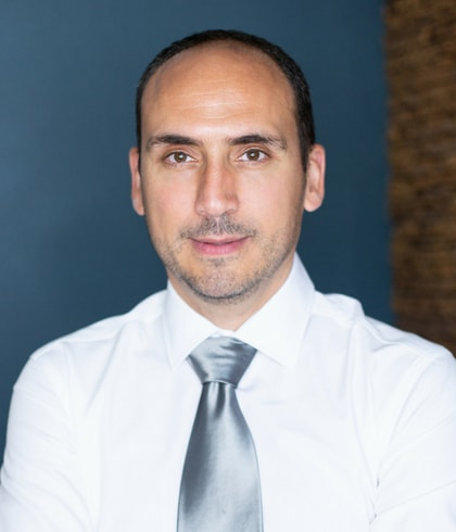 This is Dr. Firas Marsheh who is a dentist in Midtown Manhattan at Midtown Dental Excellence.