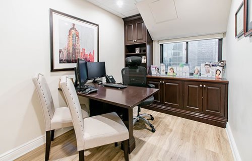 The consultation room at Midtown Dental Excellence where you and your dentist in Midtown Manhattan discuss your treatment plan
